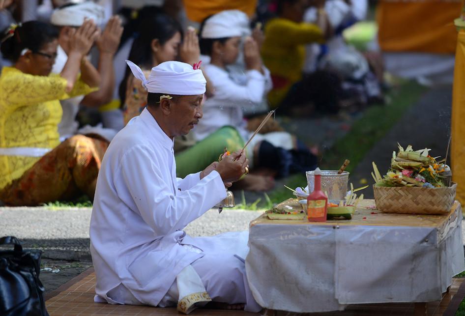 Perayaan Hari Suci Galungan di Bali