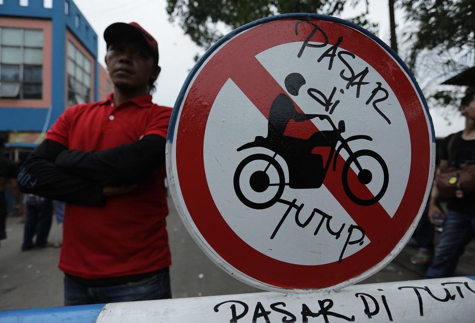 Demo Pedagang Pasar Induk Tanah Tinggi Tangerang