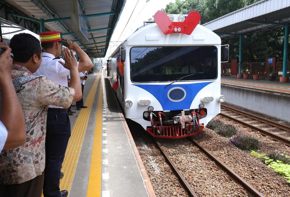 Menteri Perhubungan Meninjau Jalur Kereta Bandara
