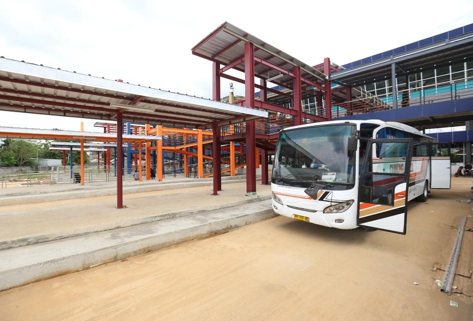 Pembangunan Proyek Terminal Pondok Cabe di Tangerang Selatan