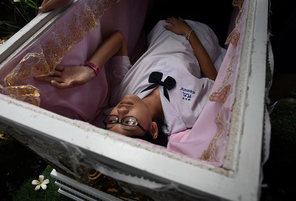 Kafe di Thailand Ini Tawarkan Sensasi Kematian