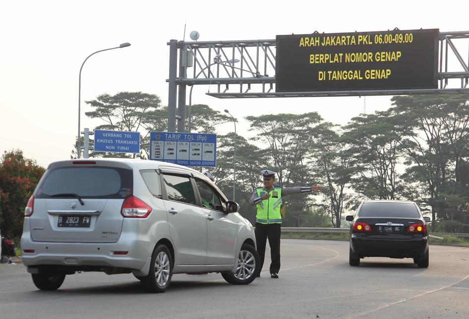 Uji coba sistem ganjil genap di Tol Tangerang-Jakarta
