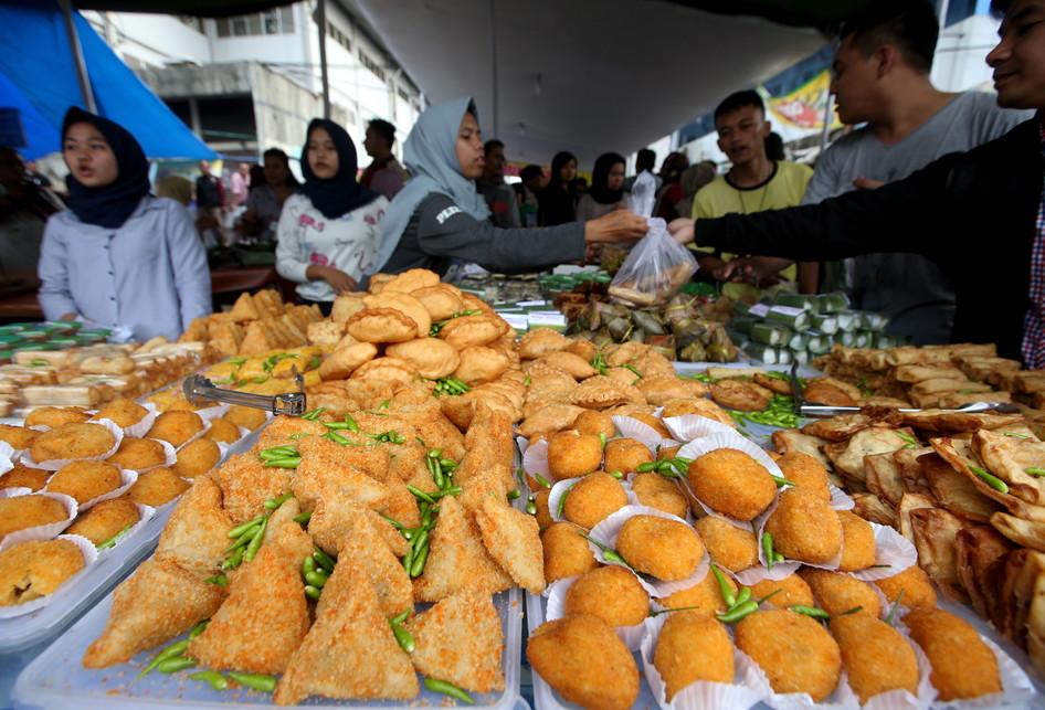 Berburu Takjil di Pasar Benhil