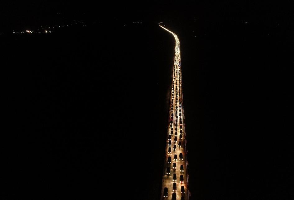 Foto Udara Malam Hari Tol fungsional Batang-Semarang