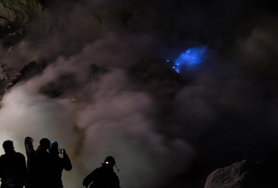Blue Fire Ijen yang Mendunia