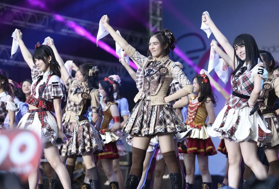 JKT48 dan AKB48 di Jak Japan Matsuri, Senayan