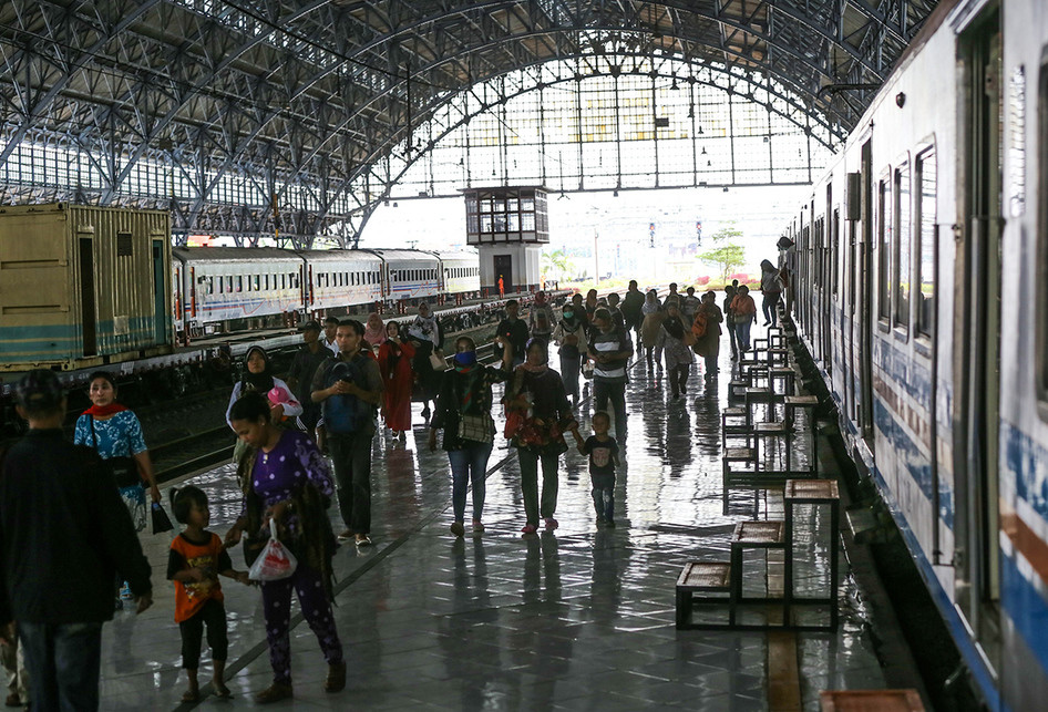 Stasiun Priok Kereta Rel Listrik
