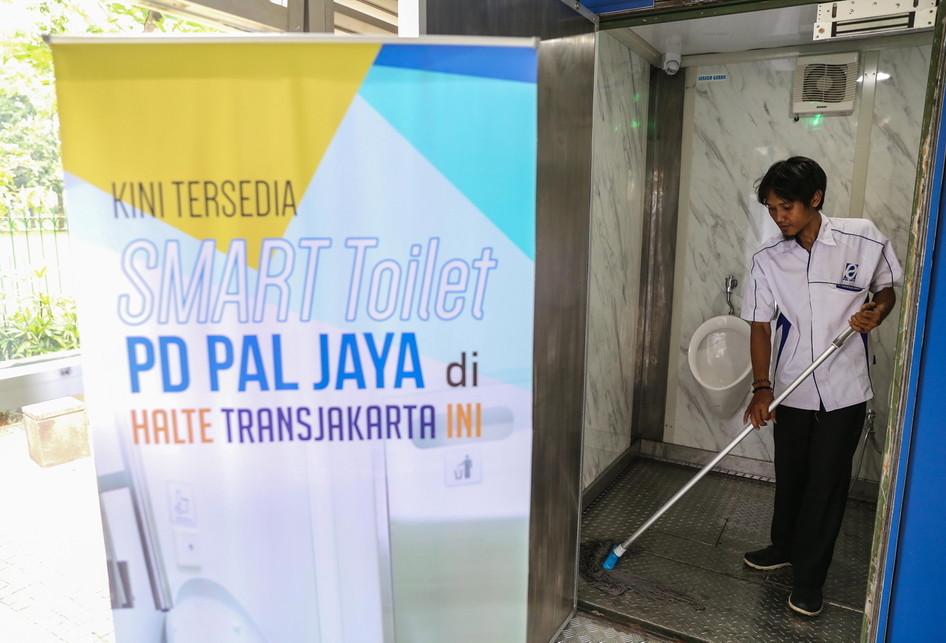 Smart Toilet di Halte Transjakarta