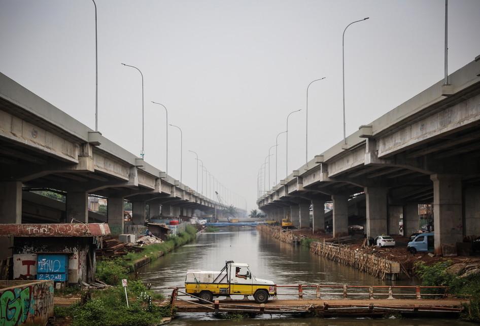 Proyek Pembangunan Jalan Tol Becakayu Kalimalang