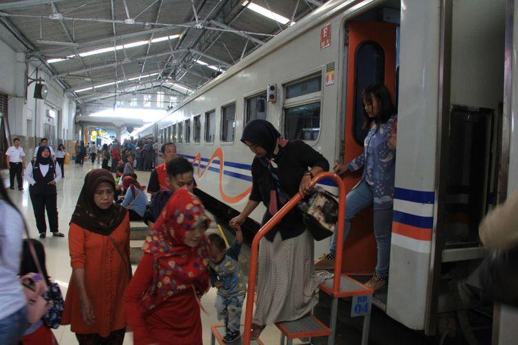 Tiket Ka Lebaran Sudah Bisa Dipesan Daop 2 Bandung Siapkan 4 Kereta